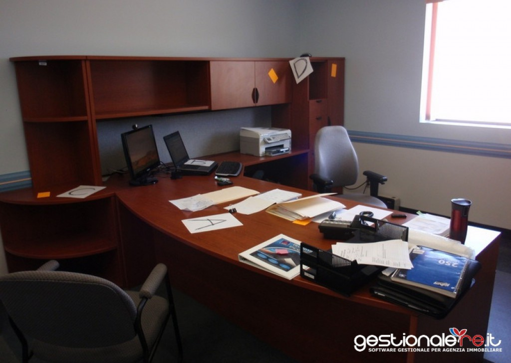 For Rent to Buy Laboratories  Carrara - Office Locality
